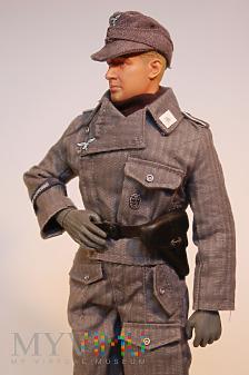 Artylerzysta ze Sturmartillerie Kompanie.