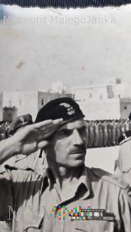 Salutujący Generał Anders - Włochy 1944 ???