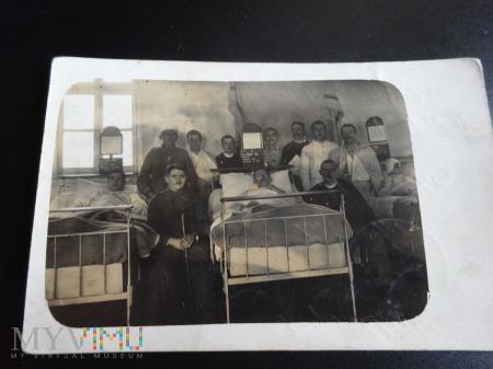 Duże zdjęcie Żołnierze w szpitalu