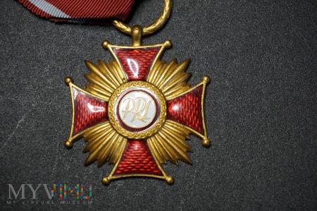Duże zdjęcie Złoty Krzyż Zaslugi - PRL 1952 - 1989