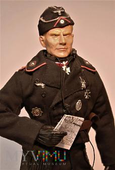 Oberst (pulkownik) wojsk pancernych.