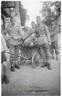 Duże zdjęcie Grenadierzy wózkowi.