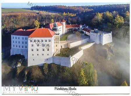 Pieskowa Skała od południa - pocz. XXI w.