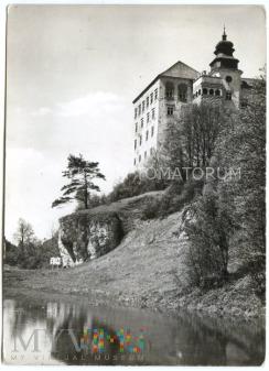 Pieskowa Skała od wschodu (zamek) - 1971 rok.