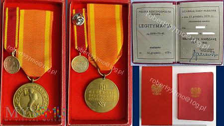 Medal Za Warszawę 1939 1945.