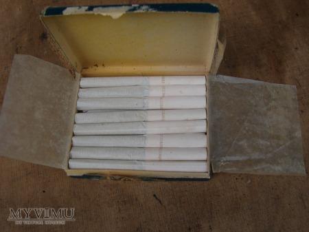paczka papierosów ,,Die szmale Płaskie,,