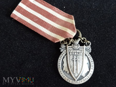 "Duże zdjęcie Medal ""Braterstwa Broni"" wersja II"