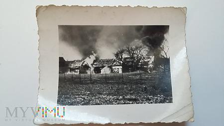 Zdjęcie Otto - kołchoz po bombardowaniu