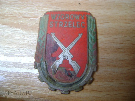 odznaka wzorowy strzelec