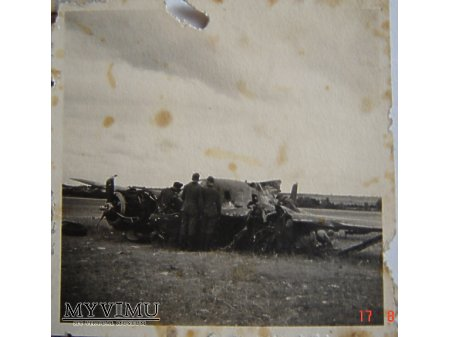 Duże zdjęcie Zestrzelony samolot