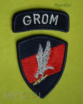 Oznaka GROM na mundur wyjściowy