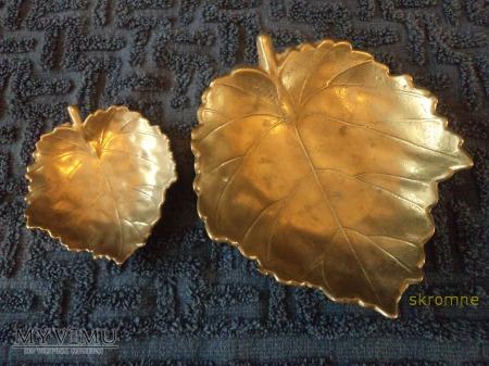 2 mosiężne patery,wzór liścia klonu