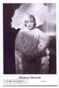 Marlene Dietrich Swiftsure Postcards 17/123
