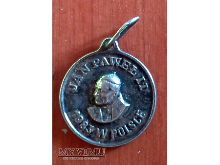Medalik z Janem Pawłem II