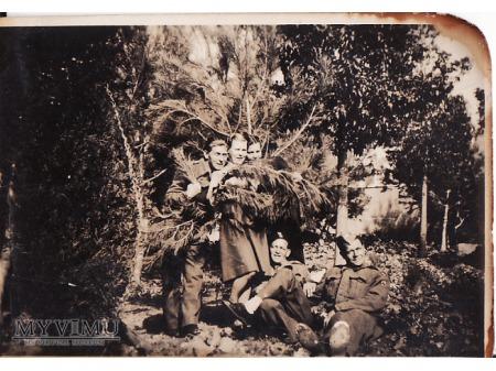 Zołnierze II Korpusu PSZ.