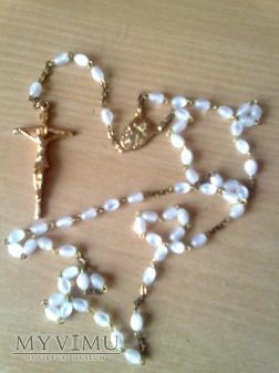 Różaniec perłowy otrzymany od Benedykta XVI