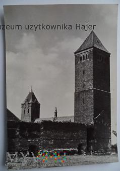 BYCZYNA Mury miejskie i wieża bramna , tzw Polska