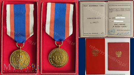 """Złota Odznak """"W Służbie Narodu"""""""