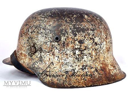 Stahlhelm M42 mit Wintertarnung