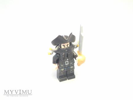 Piraci z Karaibów - Czarnobrody