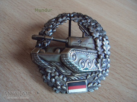Bundeswehra: oznaka na beret Panzertruppe