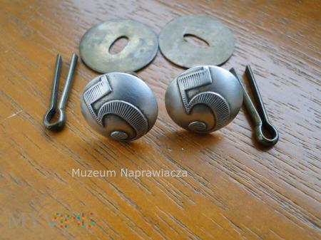 System mocowania guzika pagonu