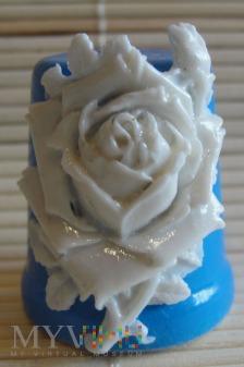 Naparstek z różą