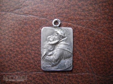 """Medalik Srebrny """"wykopek"""" może ktoś wie kto na nim"""