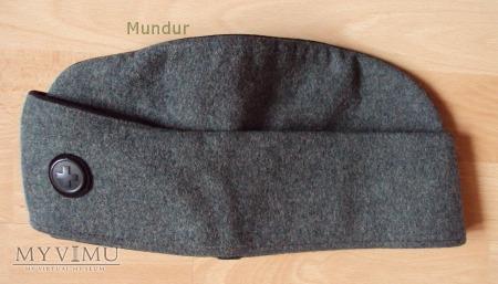 Furażerko czapka z daszkiem chowanym