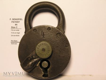 "F. Sengpiel Patent Padlock, #4- Size C"""