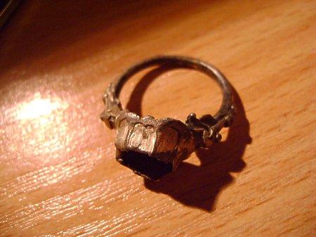 pierścionek 8