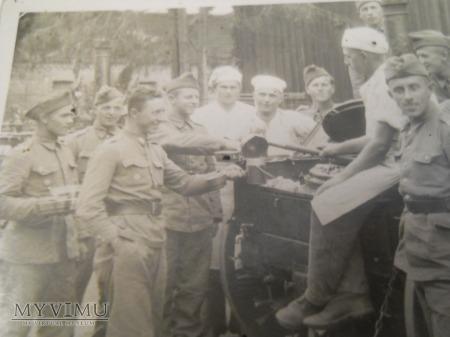 Żołnierze na Ćwiczeniach polowych, Kuchnia polowa