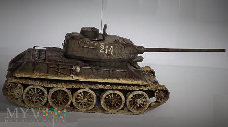 T-34/85 1944 fabr. 183 w Niżnim Tagile (2)