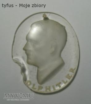 Duże zdjęcie Znaczek WHW/RSTS Adolf Hitler