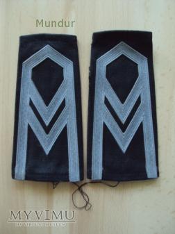 Pochewki z oznakami stopnia - starszy sierżant