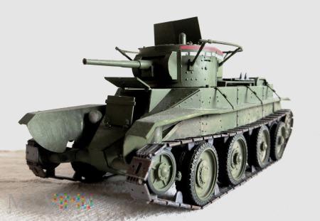 Czołg kołowo-gąsienicowy BT-5