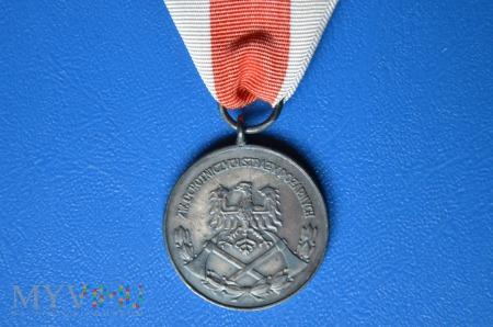 """Medal srebrny """"Za Zasługi dla Pożarnictwa"""" ZOSP"""