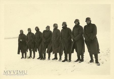 Zmarznięci żołnierze niemieccy