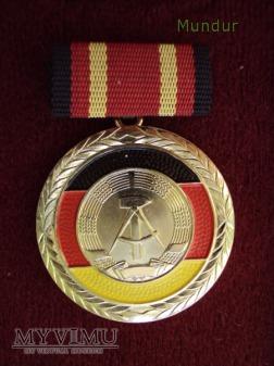 Medal Zasługi NRD - Verdienstmedaille der DDR