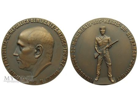Duże zdjęcie Américo Thomaz Gondomar medal brązowy 1971