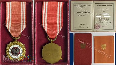 """Złoty Medal """" Siły Zbrojne W Służbie Ojczyzny XV"""""""