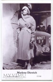 Marlene Dietrich Swiftsure Postcards 17/124