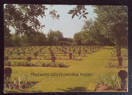 Niemiecki cmentarz wojskowy St. Desir de Lisieux
