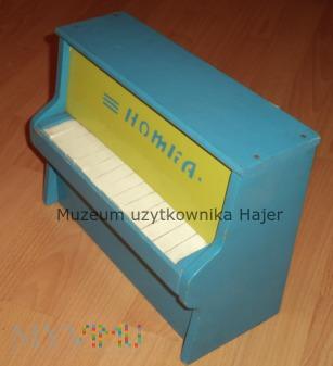Radzieckie pianino dziecięce