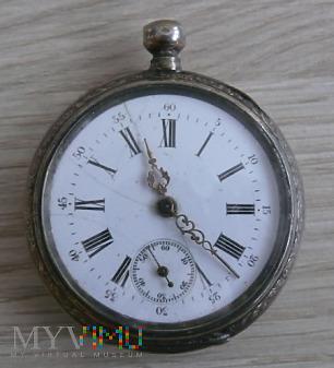 Srebrny zegarek kieszonkowy