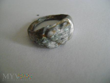 pierścionek z serduszkiem