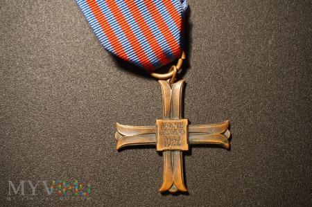 Duże zdjęcie Krzyż Monte Cassino nr:17917