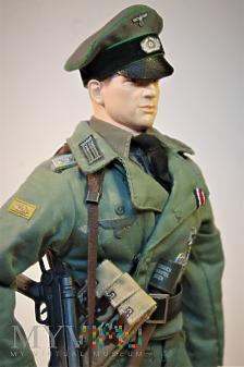 Leutenant z Panzergrenadier-Lehr-Regiment 901.