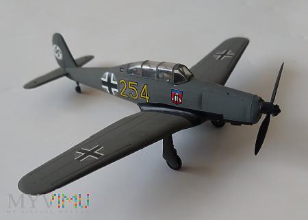 Samolot szkolny Arado Ar 96 (model 1/72)