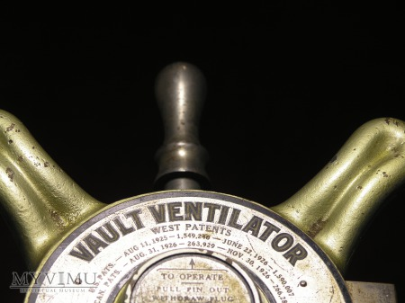 McClintock Vault Ventilator Plug-Medium